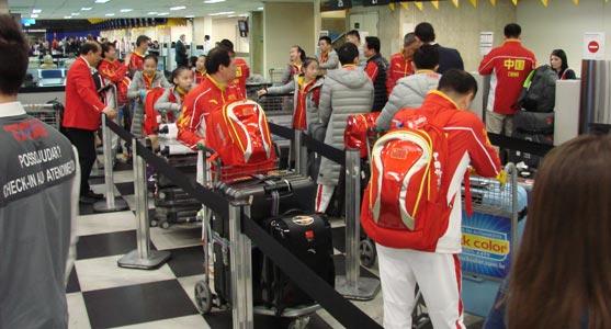Processo de check-in de uma delegação olímpica no Aeroporto de Congonhas.