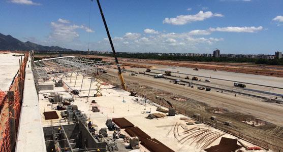 Imagem aérea das obras de construção do novo Aeroporto de Vitória.